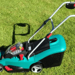 The Best Alternative to A Petrol Mower – Bosch Ergoflex Rotak 370 Cordless Mower Review